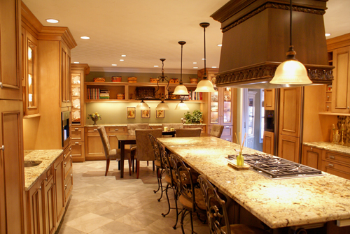 Traditional kitchen with large island and excellent seating - view 1