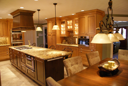Traditional kitchen with large island and excellent seating - view 4